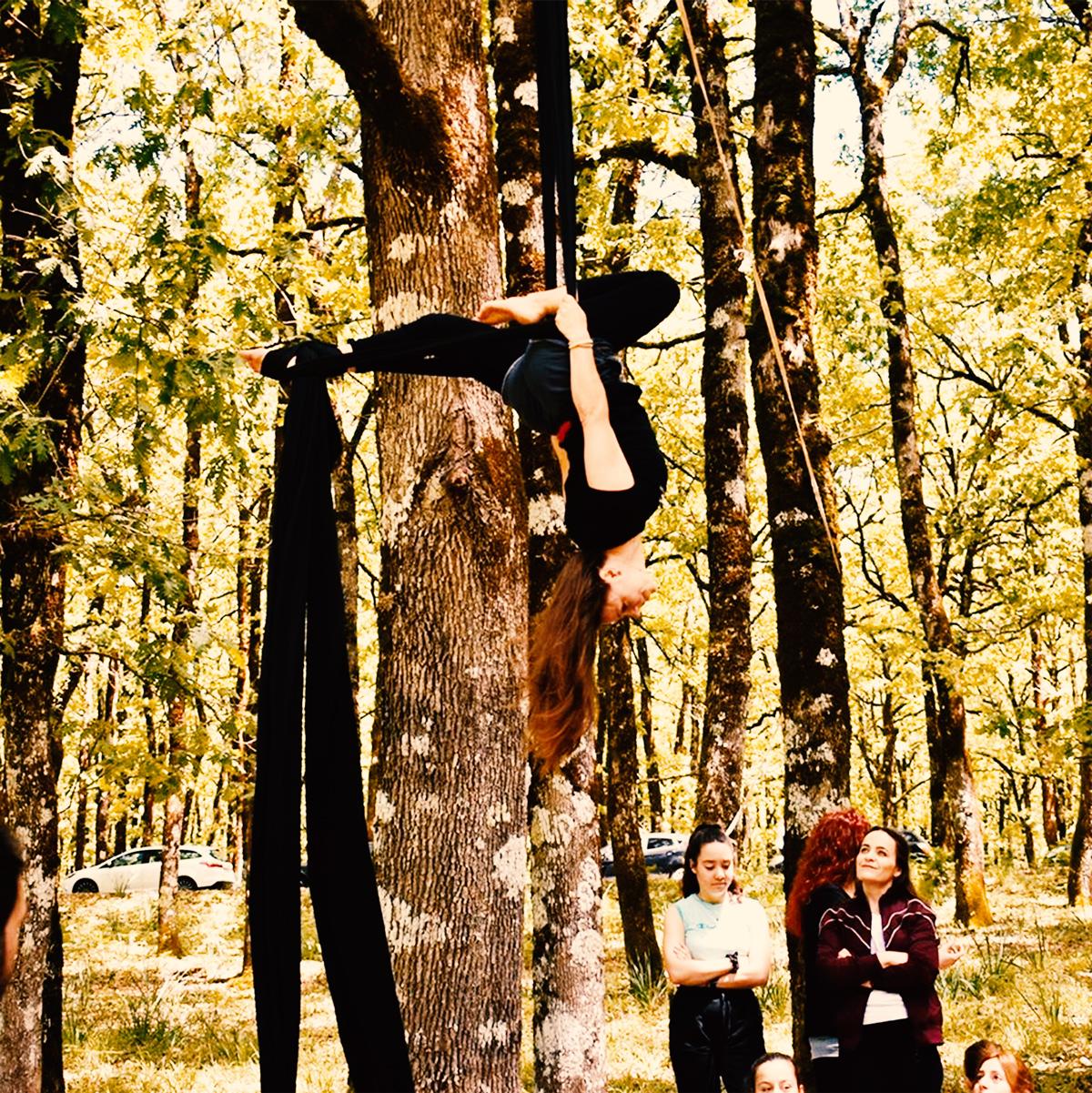 xorokinisi-aerial-silks-1